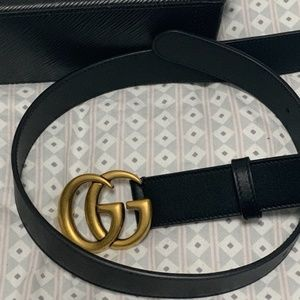 Gucci Women Leather belt with Double G buckle